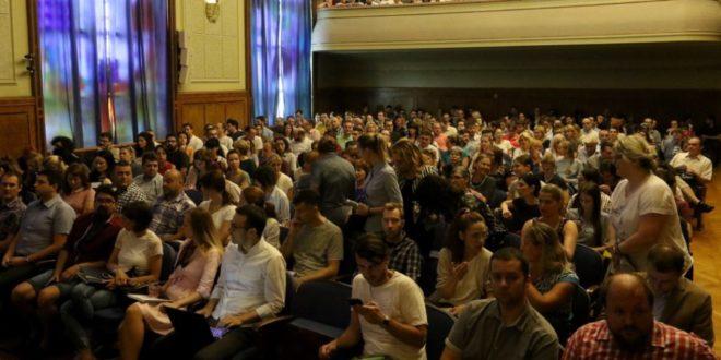 PRVA RADIONICA POVODOM PROGRAMA ZA IZVRSNE PROJEKTE MLADIH ISTRAŽIVAČA (PROMIS) PRIVUKLA PREKO 900 MLADIH NAUČNIKA IZ SRBIJE