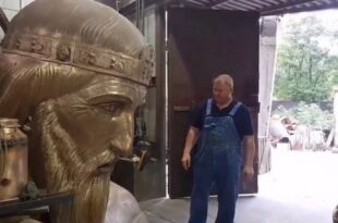 spomenik Stefanu Nemanji, VISOK ČAK 23 METRA! Pogledajte kako izgleda spomenik Stefanu Nemanji (VIDEO), Gradski Magazin